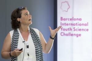 La Dra. Elisabeth Engel durant la seva xerrada. Autor: Fundació Catalunya - La Pedrera