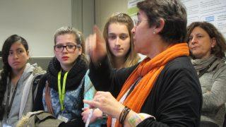 El Centre Escolar Montlau ve de visita a l'IBEC